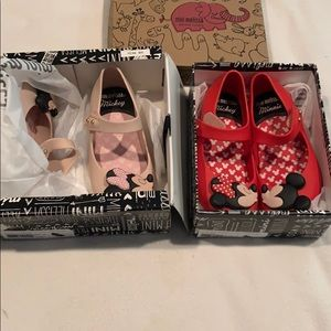 New Mini Melissa size 10 smell strong